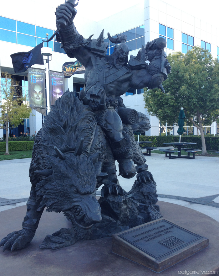 blog_BlizzCon2013_Blizz_statue