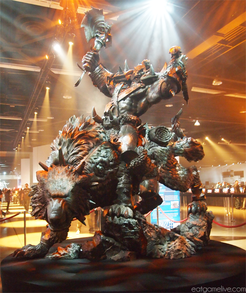 blog_BlizzCon2013_statue_orcandwolf