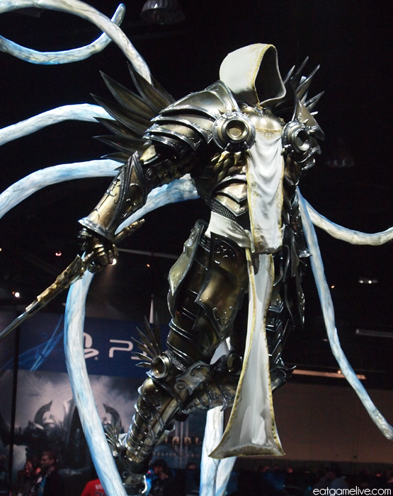 blog_BlizzCon2013_statue_tyrael
